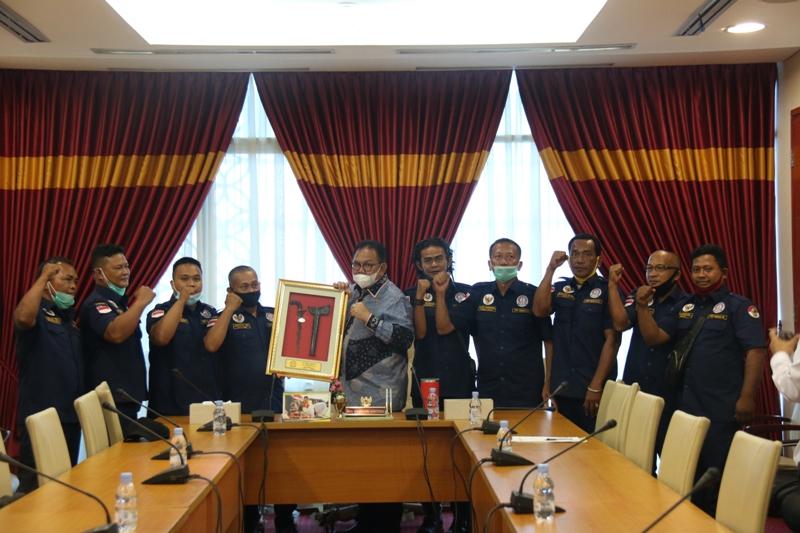 DPP LSM PEMBERDAYAAN PENDIDIKAN PERLINDUNGAN HUKUM MASYARAKAT REPUBLIK INDONESIA BERAUDIENSI DENGAN KETUA DPRD PROVINSI SUMATERA UTARA